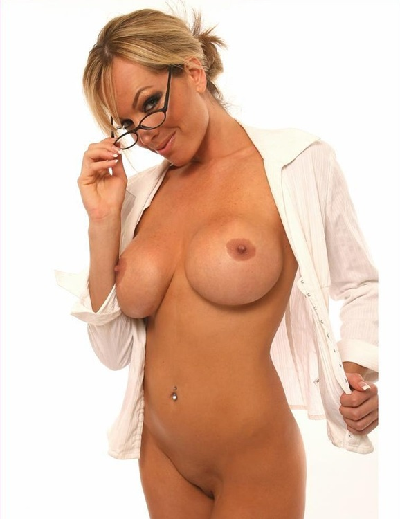 milf mia in glasses