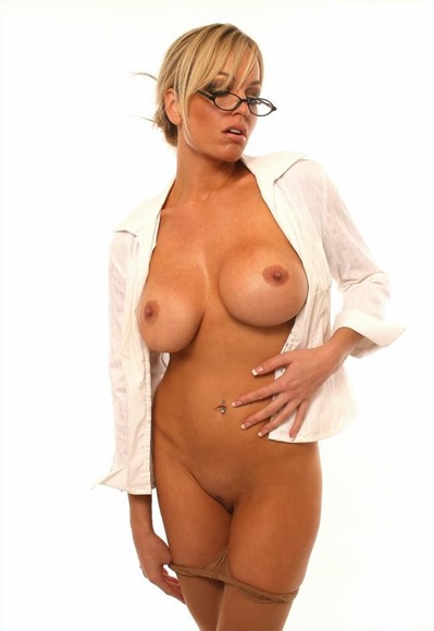 milf-mia-the-naughty-secretary